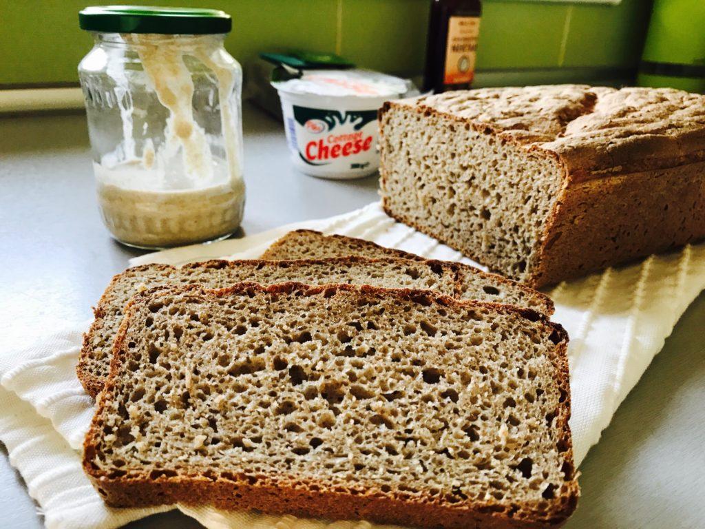 rohlicek-domaci-kvaskovy-chleb